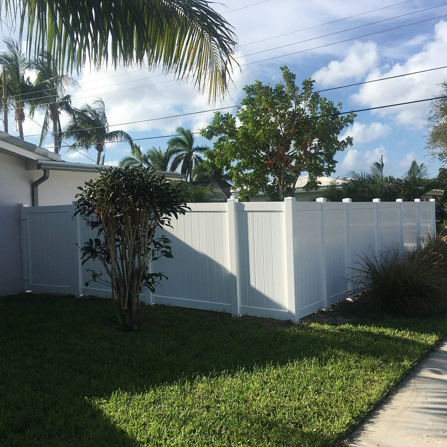pvc fencing installation in deerfield beach